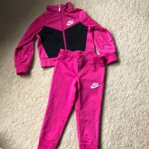 Like New Nike 2T Outfit